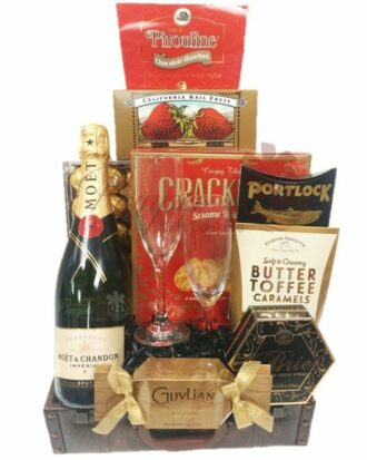 Supreme Love Champagne Gift Basket, Valentines Day Gift basket, Valentines Day Gifts for Her, Personalized Valentines Day Gifts, Valentines Baskets NJ, Valentines Gift baskets NY, Valentines Gift Baskets TX, Valentines Gift baskets CA