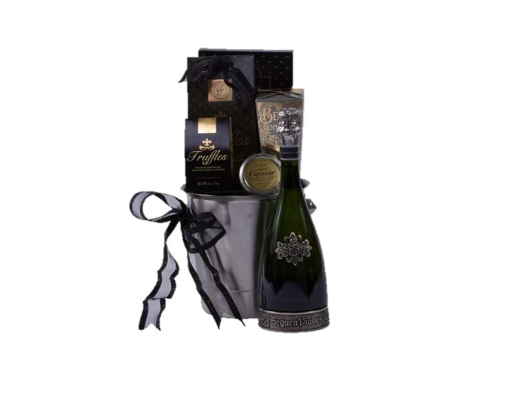 Pure Romance Sparkling Wine Gift Basket, Sparkling Wine Gift Basket, Segura Viudas Gifts, Engraved Segura Viudas, Segura Viudas Gift Basket,