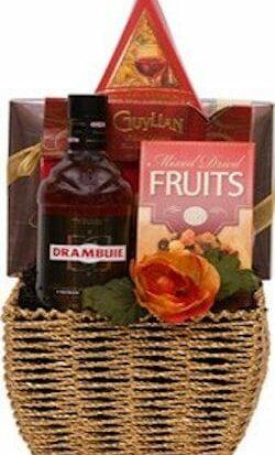 Dramatic Drambuie Liqueur Gift Basket, Drambuie Liqueur, drambuie cordial, engraved drambuie, drambuie gift set, drambuie gifts, drambuie engraving